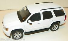 WELLY 2008 CHEVROLET TAHOE STREET VERSION WHITE 1/24 DIECAST MODEL  22509