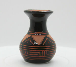 Black and Terracotta Vase by Juanita Davis, Navajo