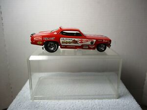 1/24 SCALE DIECAST CAR IN ACRYLIC CASE ~ HOT WHEELS MONGOOSE ~ TOM McEWEN DUSTER