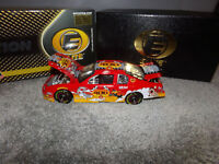 1/24 LOONEY TUNES REMATCH EVENT CAR ELITE 2002 ACTION NASCAR DIECAST