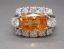 Ancienne Bague de Joaillerie en or blanc 18 carats, saphirs jaune et diamants