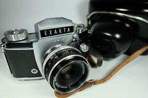 Old Vintage EXAKTA VAREX  IIb 35mm SLR Film Camera. Zeiss Lens