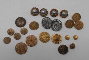 Superbe Lot de 23 boutons anciens en métal - Mercerie ancienne