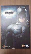 Hot Toys MMS 67 The Dark Knight Batman Bruce Wayne (Original Costume) USED