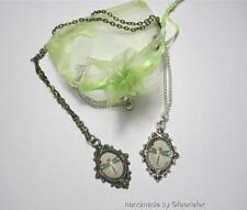 Modeschmuck-Halsketten mit Cabochon-Schliffform