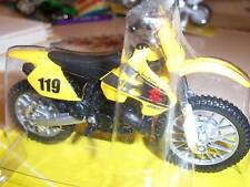 1/18 SUZUKI 250 RM off rd race DIRT BIKE DIE CAST New L