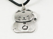 Maneki-neko, lucky Japanese cat Pewter Pendant, Bekoning cat, good fortune