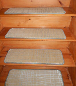 14 = Step  9'' x 29''  Landing 29'' x 25'' Wool Woven Carpet Shiny Stair Treads
