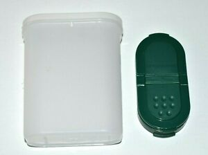 Tupperware Modular Mates Spice Container #1846 w Green Shaker Lid 1844/1845