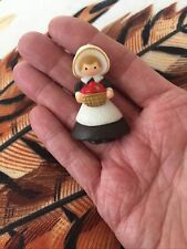 Hallmark Pin Thanksgiving Vintage Pilgrim Girl Basket Apples Holiday Brooch