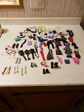 MONSTER HIGH HUGE  lot 118 pieces REPLACEMENT CLOTHES PARTS HANDS ARMS  Shoes