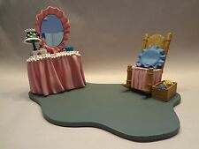 WDCC Disney Minnie Mouse Bedroom First Aiders Base w/Box