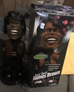 """James Brown Dancin' Shoutin' Doll Sings """"I Feel Good"""" - NO MOUTH MOVE - C DESCRI"""