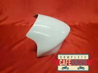 UNIVERSAL SMALL FLY STYLE SCREEN FAIRING CAFE RACER FAIRING IN WHITE