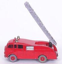 DINKY TOYS * 955 * FIRE ENGINE W/ LADDER * 1:43 * ORIGINAL