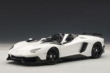 AUTOart 1/18 - LAMBORGHINI AVENTADOR J (WHITE) 74674