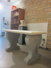 Tavolo in marmo bianco anticato con zampe in pietra serena massello sagomata H78