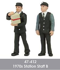 Scenecraft 47-412 1970s Station Staff Figures Pack B (2PK) O Gauge