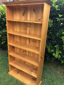 Solid Timber Bookshelves - It's Noice and Sturdy! Well made.