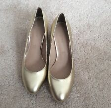 Ladies M&S Footglove Gold Leather Court Shoes - Size UK7 - Brand New