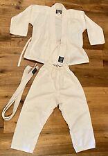 "White Lightweight Kids Karate Martial Arts Gi Uniform Size 00 3'9""-4' Euc"