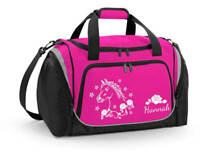 Sporttasche mit Feuchtfach in Fuchsia mit Name und Pferdekopf mit Blumen