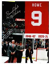 Gordie Howe reprint photo w/autograph-Retired Number Banner Raising 8 X 10