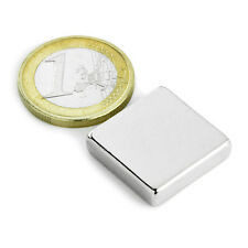 Super Magnete Parallelepipedo al Neodimio dimensioni 20x20x5 mm Potenza 6 Kg.