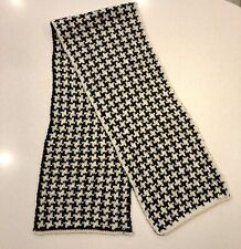 Chunky Wool Dogtooth Scarf - White/Black