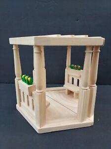 Plan Toys Dollhouse Wood Garden Gazebo Plants Benches 7334 in Original Box