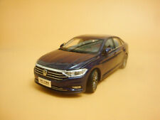 1:18 2019 all New Volkswagen Sagitar long-wheelbase blue color + gift