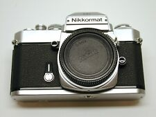 NIKON NIKKORMAT EL 35MM MANUAL FOCUS FILM CAMERA..CAP..EYECUP..CHROME.VERY NICE