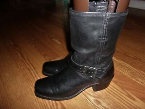 FRYE WOMENS MID CALF BOOT BLK SIZE 8.5 M/W 1.75 HEEL PULL ON