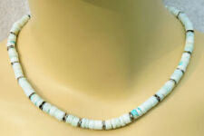 Behandelter gefärbter Echtschmuck-Opal