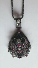 Superbe pendentif papillon en argent orné de rubis bruts et de zirconiums - Neuf