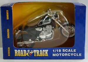 Maisto Road & Track 1/18 Scale Diecast Motorcycle Triump Silver & Black NIP