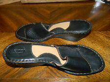 PRE-OWNED BORN LEATHER BLACK WOMENS  11 M/W SLIDE SANDALS EUC