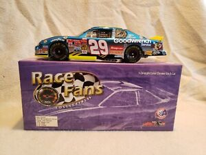 2002 Nascar #29 Kevin Harvick Looney Tunes Rematch Cholorchrome 1/24 Action