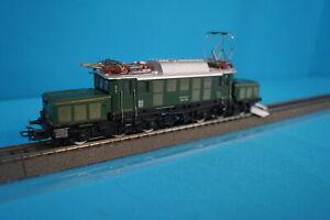 Marklin 3022 DB Electric Locomtive Br 194 Green version 5 ESU DIGITAL