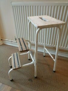 VINTAGE RETRO KITCHEN STEP STOOL/SEAT METAL FRAME AND WOODEN SEAT & STEPS