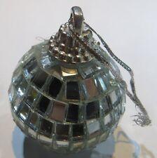Sphère avec nombreux miroirs à pendre -