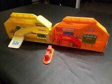 Vintage Mattel First Wheels Service Center Garage Sto & Go Playset 1983