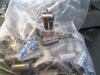 New tube amp capacitor caps 22uF 450V 105C with long leads $1 each
