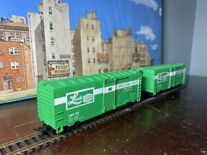 Life Like 40' Box Car Green Rd# LAPX 358 Linde Union Carbide - HO X2 Lot