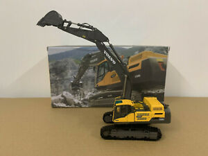 Volvo EC480DL Crawler Excavator Diecast Model 1/50 Scale Metal Tracks New in Box