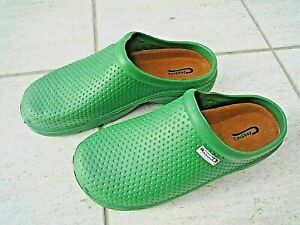 NEW Town & Country green lightweight patterned CLOGGIES--Size 6 UK adult.