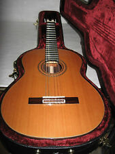 GUILD ACOUSTIC GUITAR*MODEL GC 2 NAT-WITH HARD BODY CASE-VERY NICE-GREAT FINISH