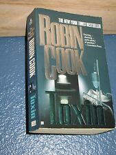 Toxin by Robin Cook *FREE SHIPPING*  0425166619