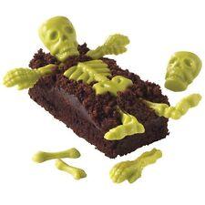 Wilton Candy Mold Skeleton Bones 6 design 20 Cavity Day of the Dead Halloween