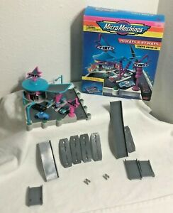 1994 Micro Machines Hiways & Byways Tinys Drive-In Galoob Drive Thru Diner Vtg